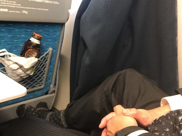 居眠りは午前中の電車で。睡眠不足の解消に役立つらしい